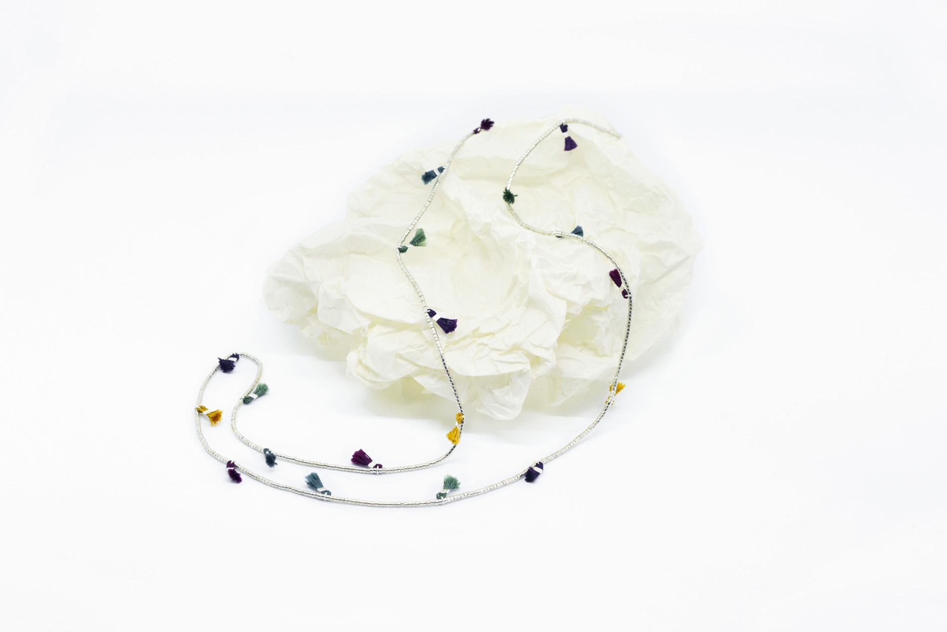 Sautoir in miyuki argento con nappine multicolor_90e