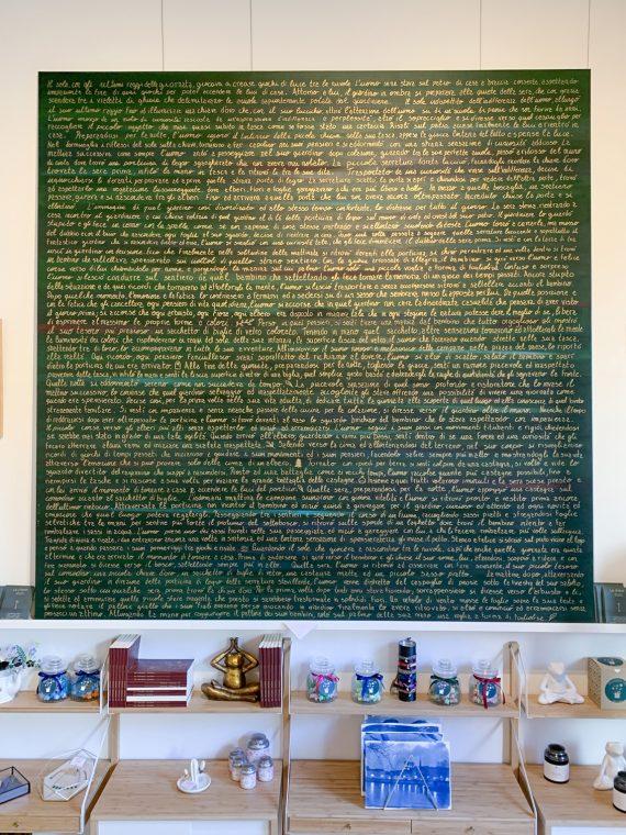 quadro dipinto in acrilico con scritta in oro